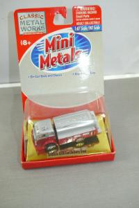 Classic Metal Works Mini Metals ´53 White 3000 Fuel Delivery Truck  1:87 (K55)L