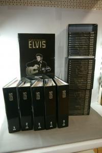 Elvis offizielle Sammel Edition DeAgostini 42 DVD´s + 85 Magazine  6 Ordner (F29