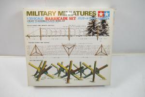 Tamiya Military Miniatures Barricade Set  Bausatz 1:35 (K52)