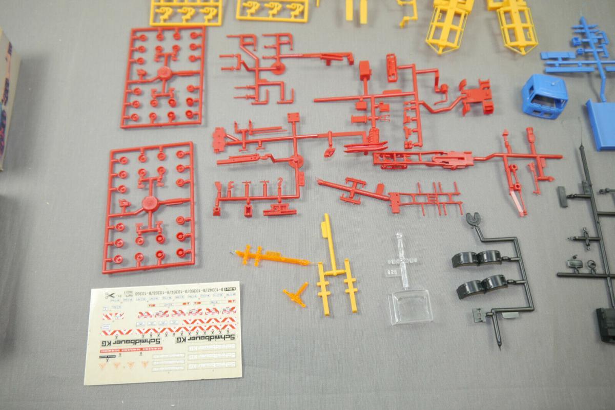 Kibri 10364 MAN Zugmaschine mit Ladekran + Scheuerle Tieflader Bausatz H0  (K26) 4