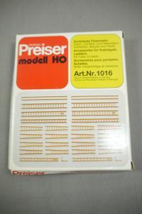 Preiser modell  1016 Zurüstsatz Accessories Leitern Feuerwehr  H0 (K24)
