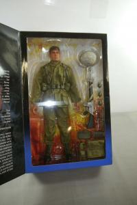 Platoon Charlie Sheen als Pvt. Chris Taylor Actionfigur SIDESHOW 1:6 Neu (L)
