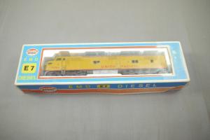 Model power EMD E7 Diesellokomotive  H0 914  (K26)