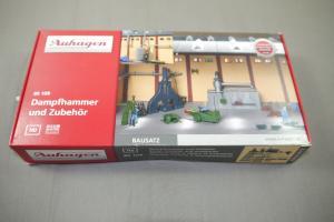 Auhagen Dampfhammer + Zubehör 80109  Plastik Modellbausatz Spur H0 Neu  ( K17)