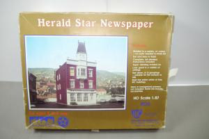 IHC Herald Star Newspaper  Plastik Modellbausatz H0 (MF14)