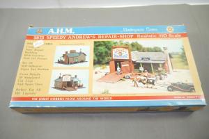 AHM Speedy Andrew´s Repair Shop  Plastik Modellbausatz H0 (MF14)