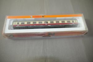 Arnold 3810 Personenwagen piccolo Spur N  ( K89)