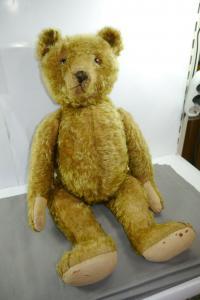 Bing ?  Teddy Bär 20er Jahre Hellbraun hintermalte Glasaugen ca. 68cm (K7 )