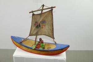DDR Kanu / Boot Segelboot Holz  mit Indianer ca. 28cm  selten  (K43)