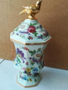 Vase mit Deckel. Boch frères. La Louvière Belgium. Deckel mit goldfarbigen Vogel.