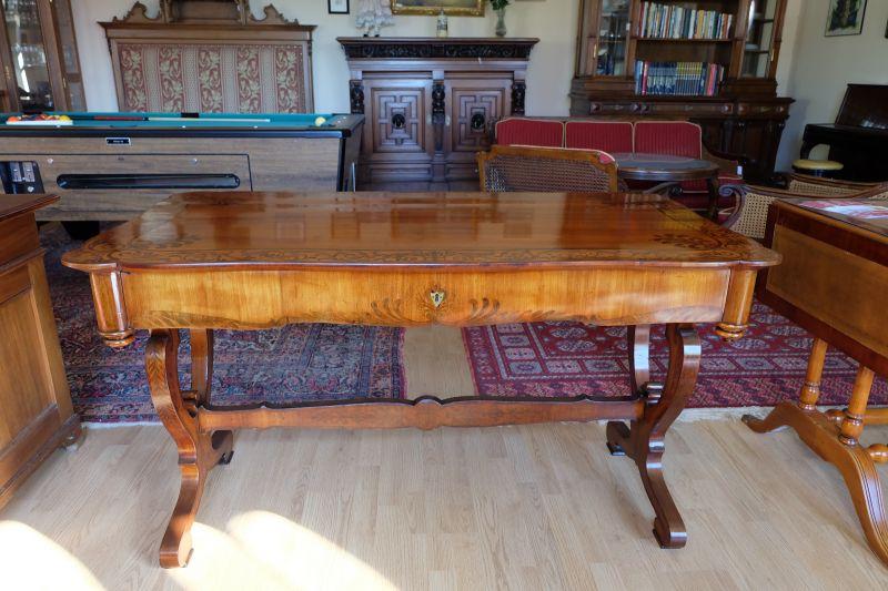 wunderschön restaurierter Biedermeier Schreibtisch 0