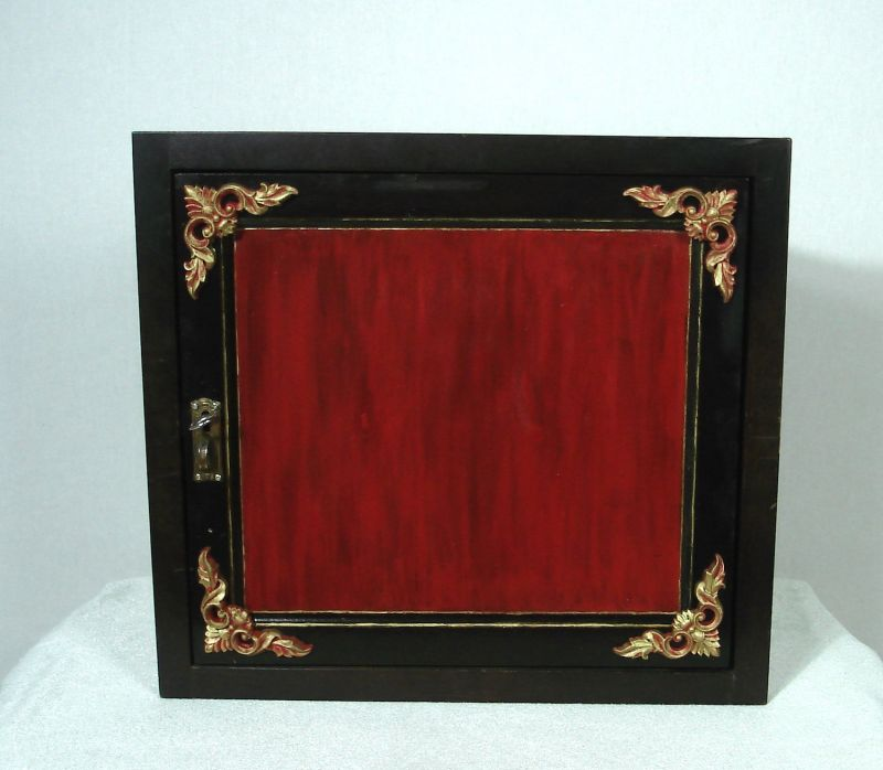 Alter Eck Hängeschrank 1-trg mit Geheimfach für Pfeifen / Medizin, Nußbaum dunkel + shabby rot