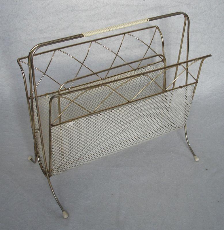50er 60er Zeitungsständer Design Wagner-Keller von Ebinger Metallwaren Messing + weißes Lochblech String Draht Mid Century