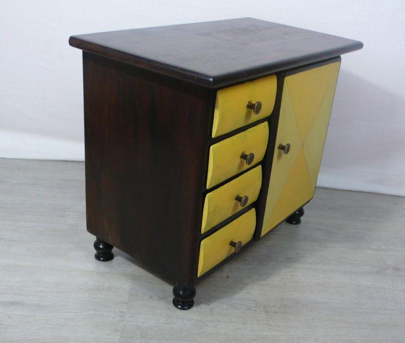 1930er Kommode mit 4 Schubladen + 1 Türfach Nußb dkl + Shabby Sonnengelb 4