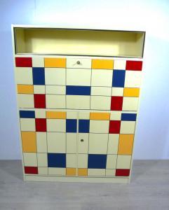 50er Sekretär Schrank, Creme + Mondrian Stil Rechtecke in blau, orange + rot