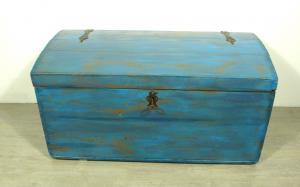 Große Runddeckel Truhe Aussteuertruhe Shabby Blau mit Eisenbeschlägen, um 1900