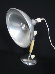 30er 40er Labor Tischlampe Werkstattlampe, Alu Schirm Steampunk Industrie Medical Design, vielseitig verstellbar