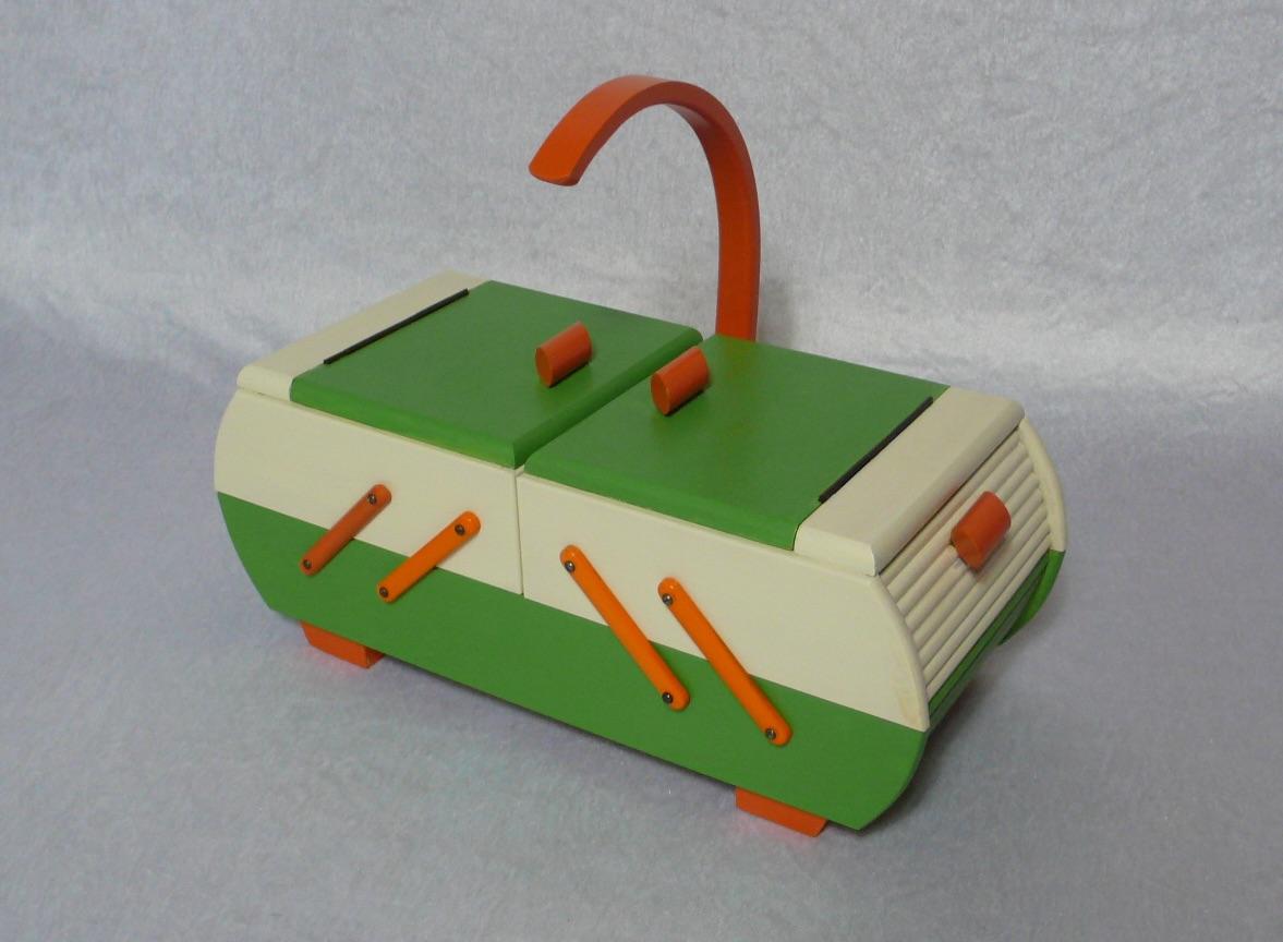 Antiker Nähkasten 2 Ebenen Akkordeon Auszug original Grün Creme Orange aus der Art Déco Era, 30er 40er 0