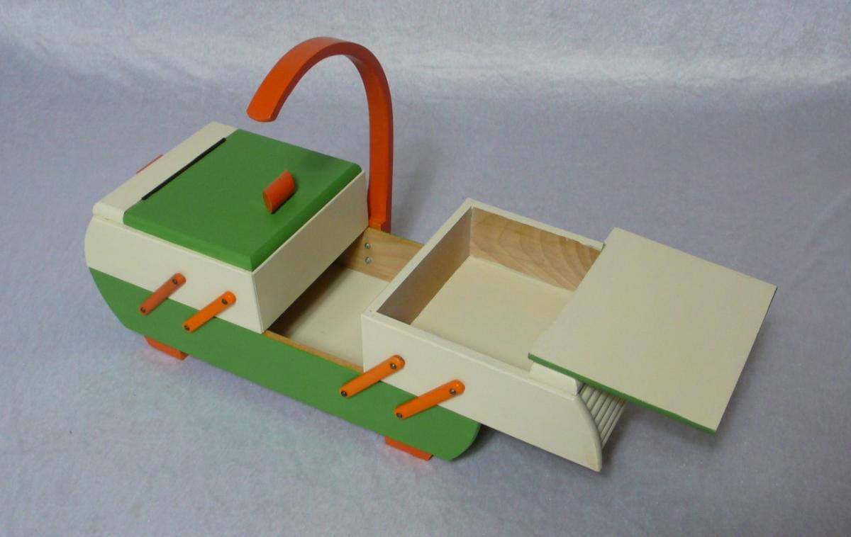 Antiker Nähkasten 2 Ebenen Akkordeon Auszug original Grün Creme Orange aus der Art Déco Era, 30er 40er 4