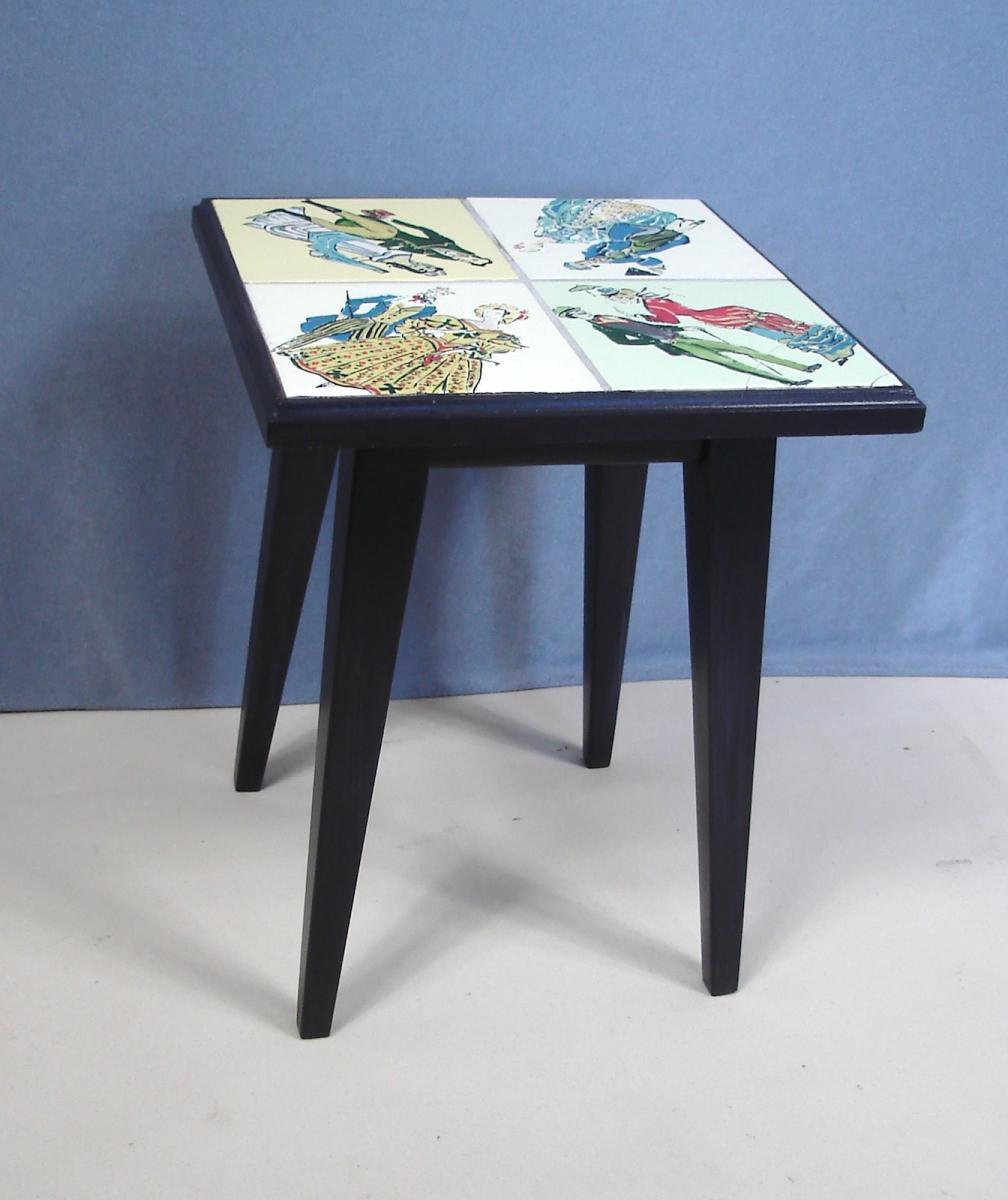 50er Holz Blumenhocker schwarz mit schrägen Beinen, mit vier 1900er Mode Porzellan Fliesen 4