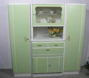 Omas 50er Küchenschrank 3-teilig mit 2 Vorratsschränken, Weiß + Hellgrün