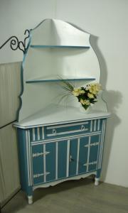 Alte Eckschrank Anrichte in Weiß + Blau Landhaus Stil, handbemalt
