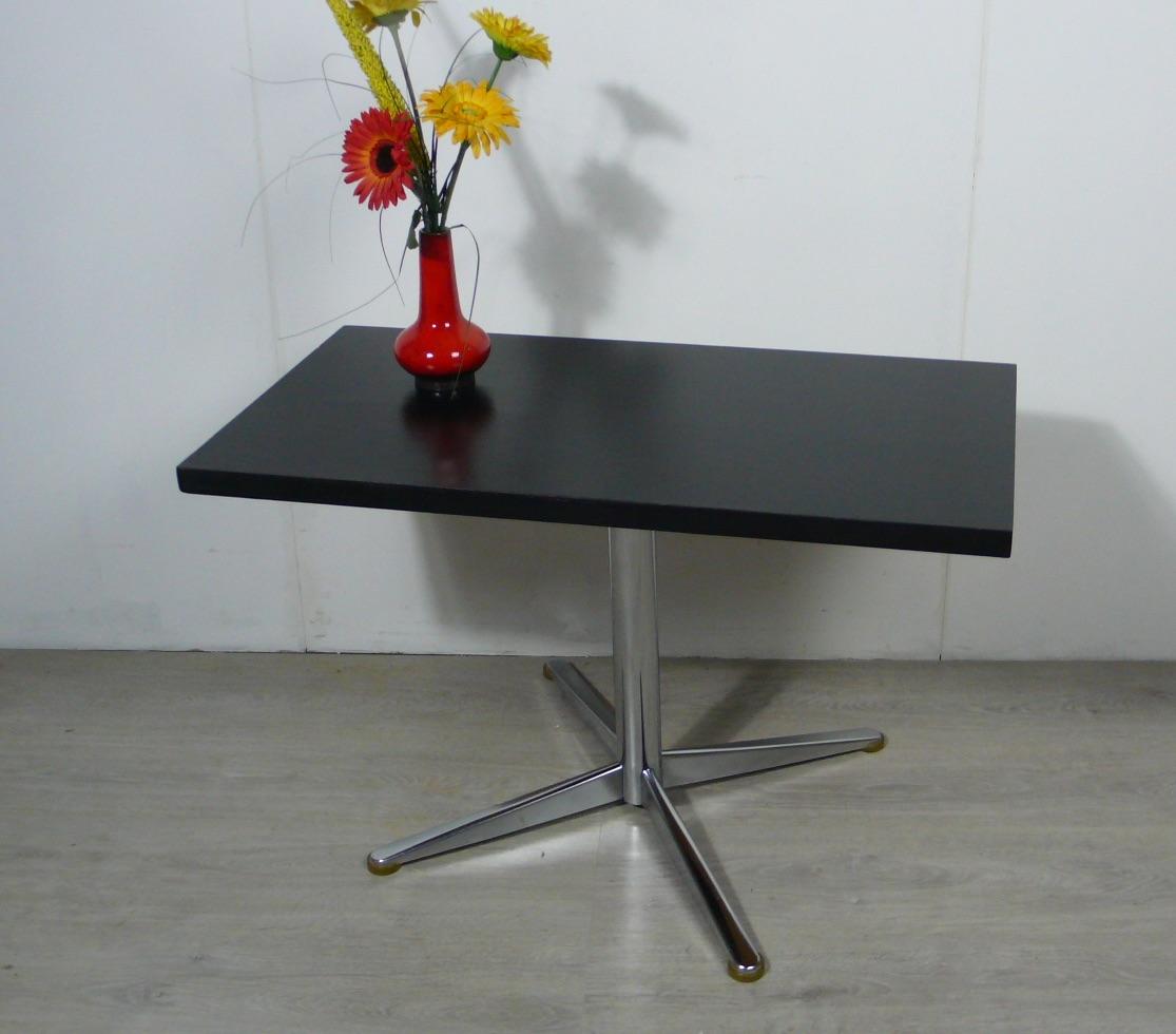 70er Couchtisch schwarz mit Chrom Mittel Kreuzfuß, typischer 70er TV Tisch / HiFi Tisch 0