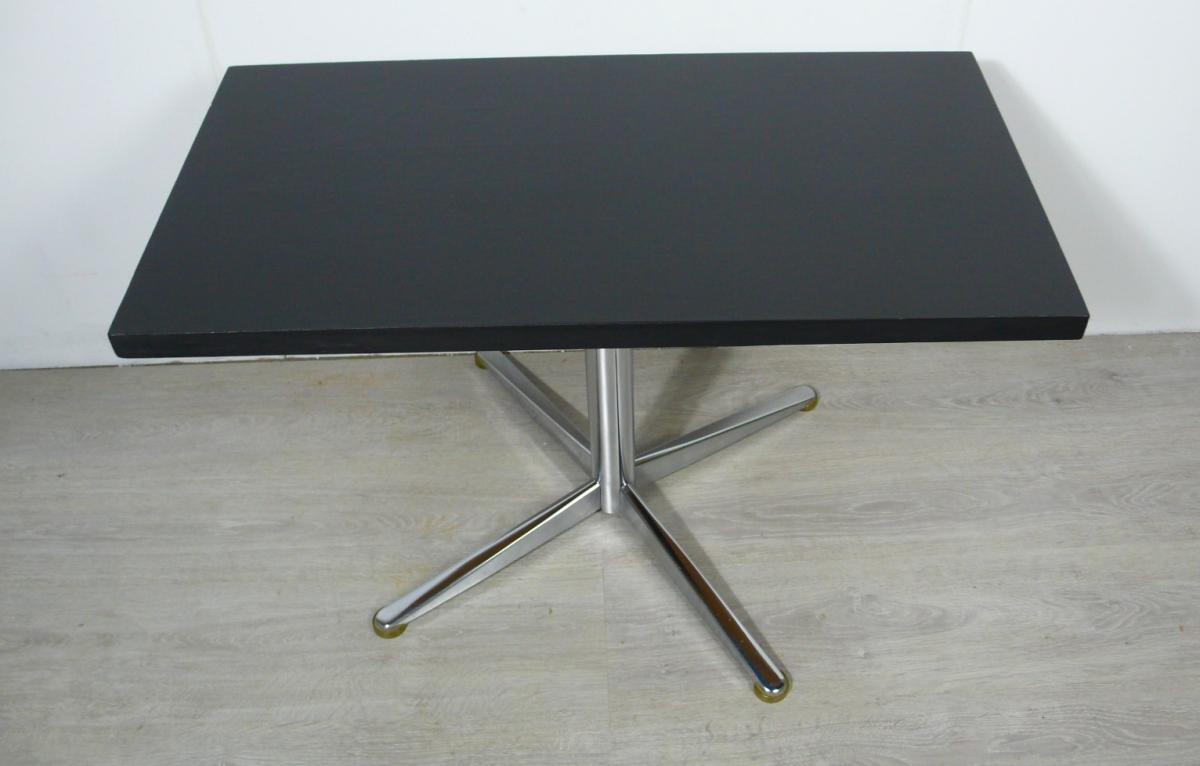 70er Couchtisch schwarz mit Chrom Mittel Kreuzfuß, typischer 70er TV Tisch / HiFi Tisch 2