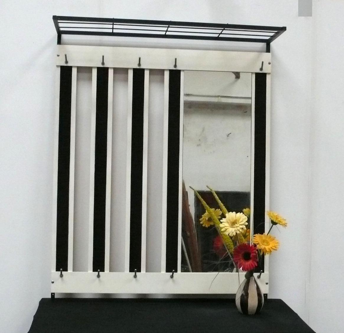 50er 60er Wand Garderobe mit Hutablage + Spiegel, weiß + weinrot 0