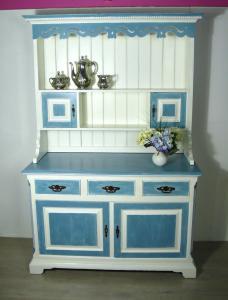 Alter Küchenschrank, Buffet, Weiß mit Shabby Blau Landhausstil