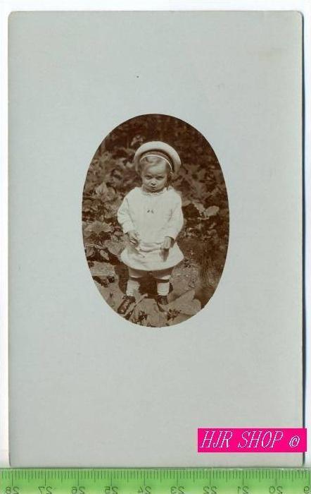 Kleinkind mit Matrosenanzug um 1916, Ungel.