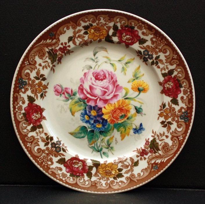 Bayreuth Porzellan-Blumenteller Marke: Gloria-Bavaria, signiert m.josi Handwork Maße: Durchmesser: 25,5 cm  Sehr guter