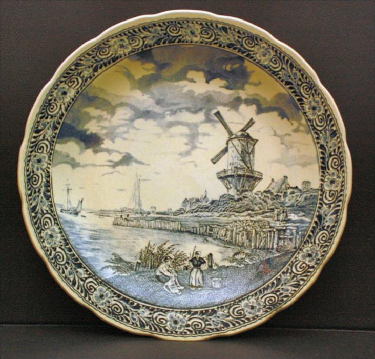 Großer Wandteller, Hollandmotiv um 1940 Material: Keramik Marke: V.& Boch, Belgien Maße: 40 cm  Zustand Gut