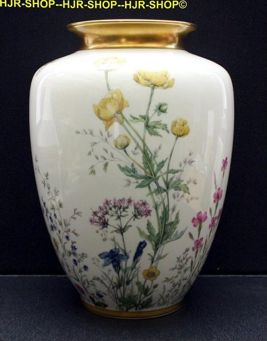 Porzellanvase, Krautheim 1920/1930 Marke: Krautheim, handgemalt, Motiv:Wiesengru nd und Bergeshöh'n, Schultervase , Maß