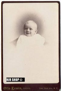 Foto um 1900,  Lewin N.Y , Maße 14,3 x 10 cm auf Pappe aufgeklebt