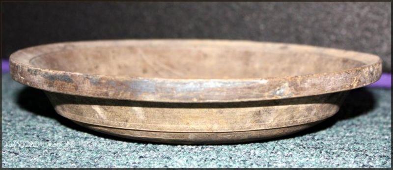 CHINA-Schale, flache Schüssel, China. Han-Dynastie (206 vor bis 220 nach Chr.) graue Irdenware, konkav gewölbte Wandung,