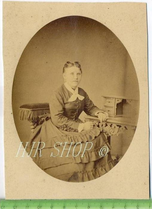 Junge Frau vor 1900 Gr.. Format, s/w., I-II,