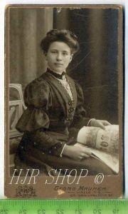 Damenfoto um 1900 kl. Format, s/w., I-II,