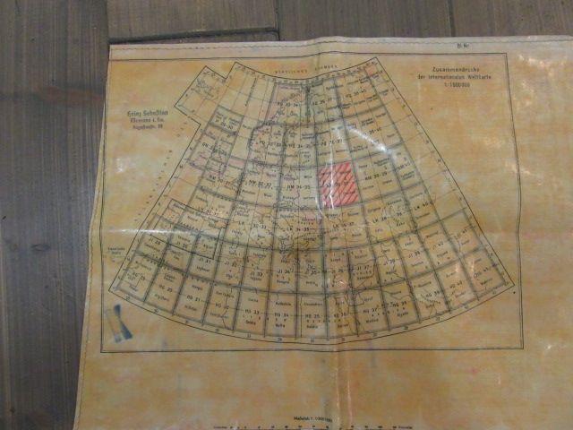 Extrem seltene Karten des deutschen Piloten, komplett mit Tasche und Zubehör. 1942 Jahr 1