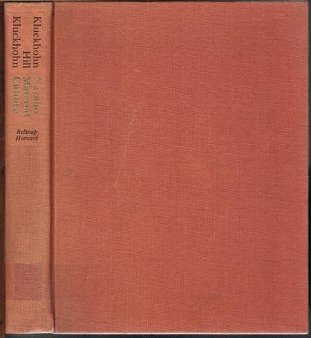 Clyde Kluckhohn / W. W. Hill / Lucy Wales Kluckhohn: Navaho Material Culture.