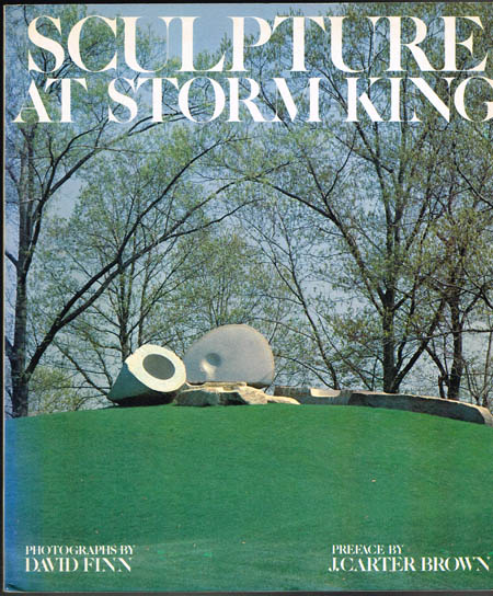 Sculpture at Storm King. Preface by J. Carter Brown. Photographs and descriptions by David Finn. Text by H. Peter Stern and David Collens.