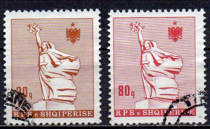 Albanien, Mi-Nr. 2312 + 2316 gest., Statue der Mutter Albania 0