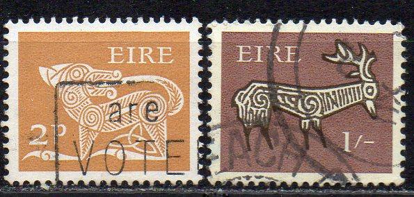 Irland, Mi-Nr. 212 A + 221 gest., Frühe Irische Kunst