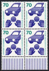 BERLIN 1973 Michel-Nummer 453 postfrisch BLOCK RÄNDER unten - Unfallverhütung; Verkehrssicherheit - Ball vor Auto