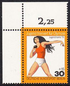 BERLIN 1976 Michel-Nummer 517 postfrisch EINZELMARKE ECKRAND oben links - Jugend trainiert für Olympia: Kugelstoßen, Frauen