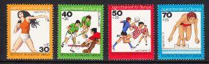 BERLIN 1976 Michel-Nummer 517-520 postfrisch SATZ(4) EINZELMARKEN - Jugend trainiert für Olympia