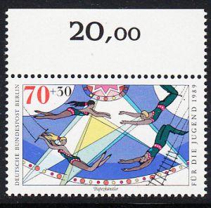 BERLIN 1989 Michel-Nummer 839 postfrisch EINZELMARKE RAND oben - Zirkus: Trapezkünstler