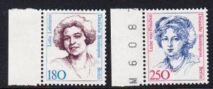BERLIN 1989 Michel-Nummer 844-845 postfrisch SATZ(2) EINZELMARKEN RÄNDER links (b) - Frauen der deutschen Geschichte: Lotte Lehmann, Sangerin / Luise von Preußen, Königin von Preußen