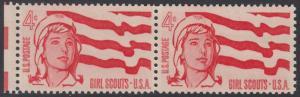 USA Michel 829 / Scott 1199 postfrisch horiz.PAAR RAND links - 50 Jahre amerikanische Pfadfinderinnen-Bewegung