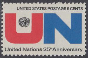 USA Michel 1021 / Scott 1419 postfrisch EINZELMARKE - 25 Jahre Vereinte Nationen (UNO): UNO-Emblem, Inschrift